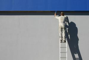 Akhir-akhir ini, desain fasad yang menarik kembali marak sehingga menyebabkan tingginya kebutuhan akan cat tembok luar yang berkualitas.