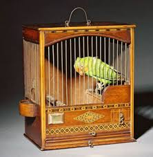 Pilih cat untuk sangkar burung yang aman dari golongan water based sebagai aplikasi cara membuat sangkar burung yang tepat.