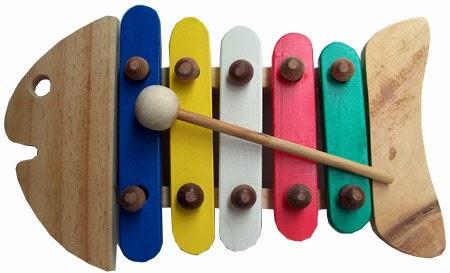 pilih cat mainan kayu yang aman