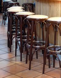 cat kayu transparan untuk stool
